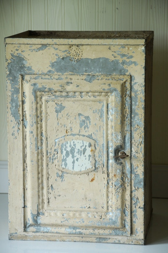 Vintage/Antique Bread Box Pie Safe Tin Pie Cabinet Tin Chippy Paint Tin Pie Safe