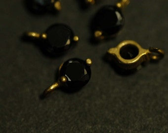 4 Pcs Vintage Brass Connector charms with a 4mm Black Cubic Zirconia