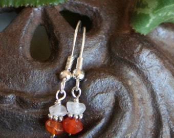 Fertility Earrings with Blessing, in carnelian and quartz