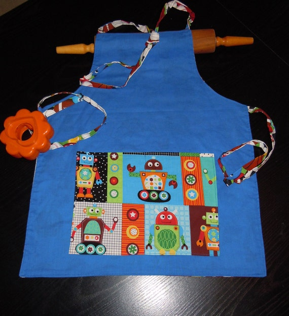 Boys ages 2 to 9 REVERSIBLE Robot & Sports Apron