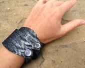 Pair of Black Leather Cuffs - Reversible Bracelets - Gift Idea - Women's - Black - Silver - Sleek - Wristband- FREE SHIPPING