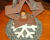 Snowflake hooked rug candlemat  chairpad