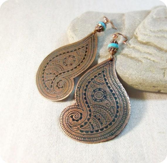 Copper earrings paisley.