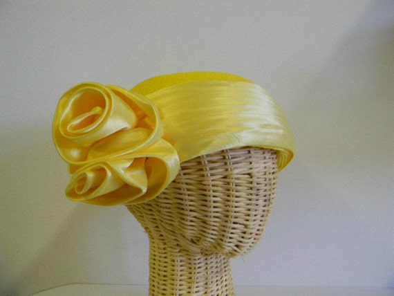 Vintage Yellow Straw Hat with Netting, Yellow Satin Flowers by Deborah New York, Wedding Church Kentucky Derby Hat