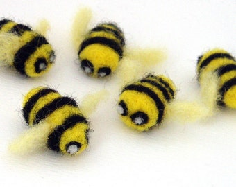 5 Bumble bee party favors - felt bumble bees - needle felted decorations - bumble bee theme