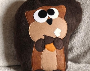 Scurry the Squirrel Plush Pillow PDF Tutorial and Printable Pattern DIY How To epattern pillows