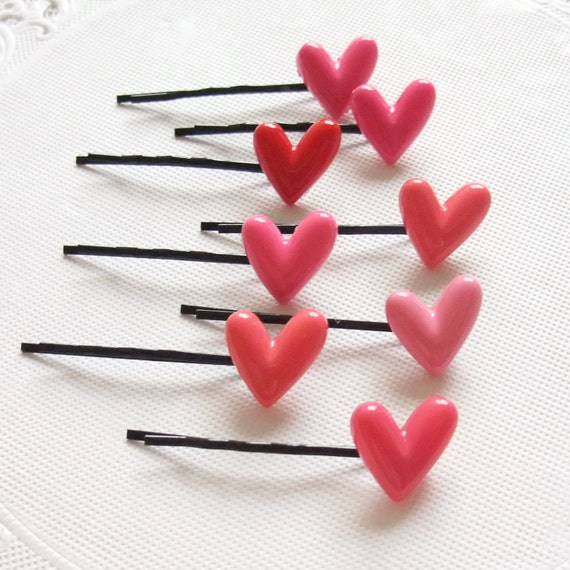 A Set of 2 Bobby Pin - Red and Pink Heart - Randomly Picked