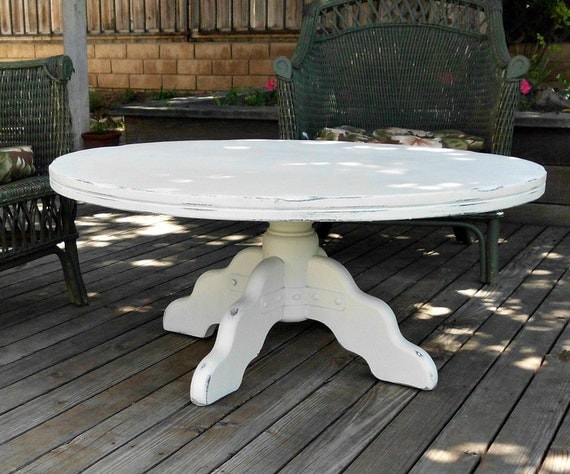 white cottage chic round pedestal rustic coffee table. Black Bedroom Furniture Sets. Home Design Ideas