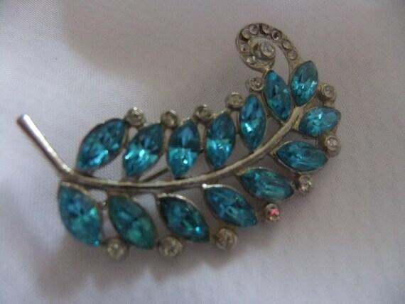 Beautiful sparkly vintage aqua marquis brooch,