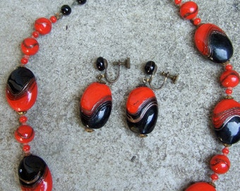 1950s Vintage Art Deco Glass Necklace & Earrings