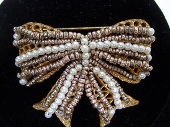 MIRIAM HASKELL Vintage Pearl Bow Brooch
