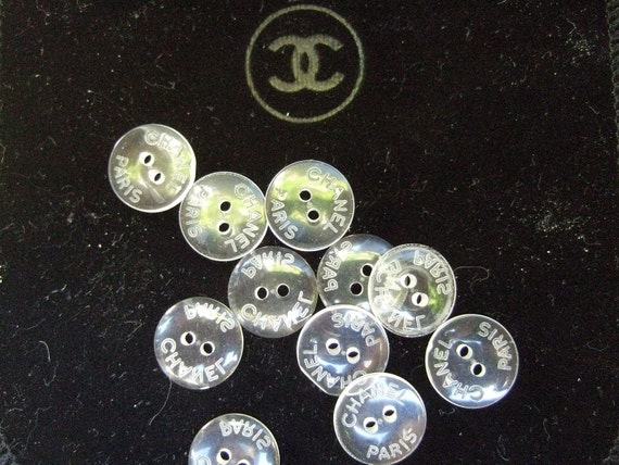 CHANEL Vintage Set of Eleven Small Lucite Buttons (Authentic)