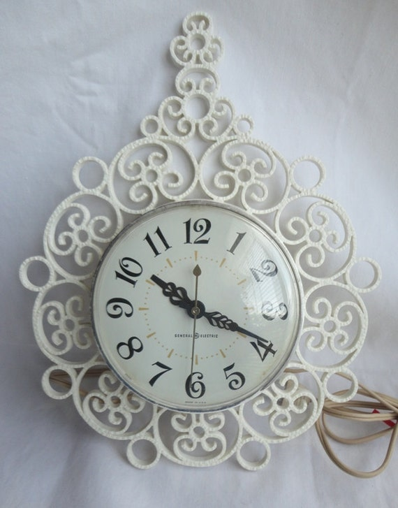 GE Model 2151 Boho Electric Clock Vintage 1960s White US Shipping Included
