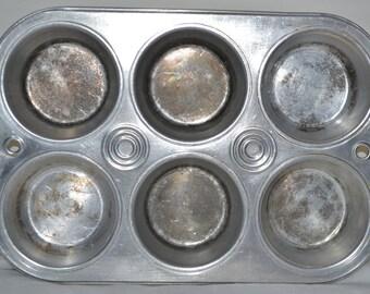 Vintage Alumium Muffn Tin