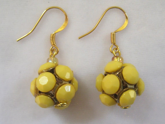 Vintage Yellow Drop Earrings with 12 stones on each