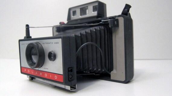 SALE  Polaroid  220 Vintage camera with kit