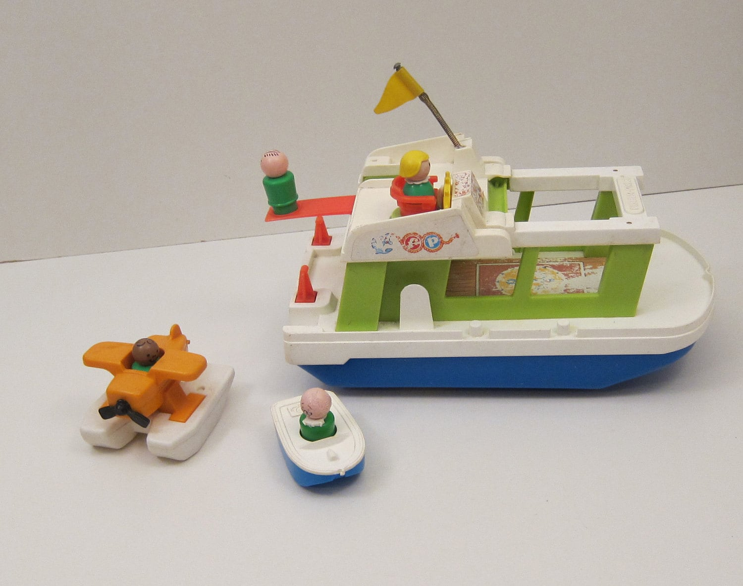 Old Toys From The 70s : Fisher price happy houseboat with little people by thepantages
