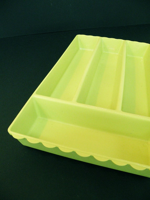 Luscious Lime Green Vintage Flatware Tray Scalloped Edge Silverware Kitchen Storage