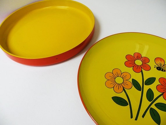 RESERVED FOR MILLIONSAFARI // Pair of Yellow and Orange Serving Platters // Georges Briard  // 70s Mod Party Tray