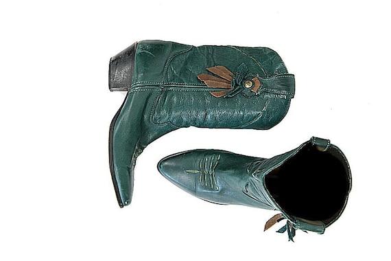Size 7.5 1960s 1970s Vintage Laredo Cowboy Boots, Green