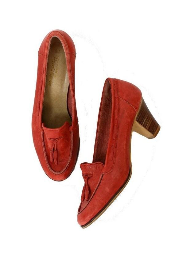 Size 8 Vintage Moccasin Loafer Heels, Guava Pink