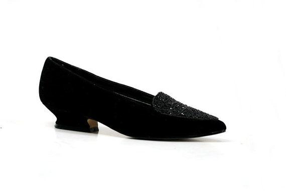 Size 7.5 1980s Vintage Velvet Slipper Pumps, Black Velvet