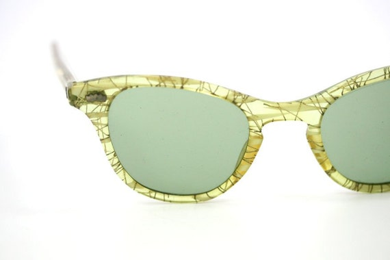 Vintage 50s / 60s Cat Eye Wayfarer Sunglasses, Chartreuse Green with Gold Confetti