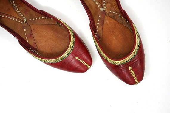 Vintage Indian Slippers Shoes, Embroidered Red Leather, 5.5 - 6