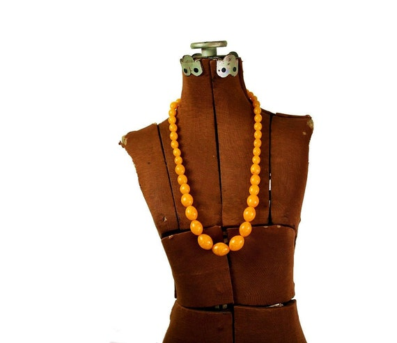 Vintage '60s Orange Beaded Necklace, Marbled Resin