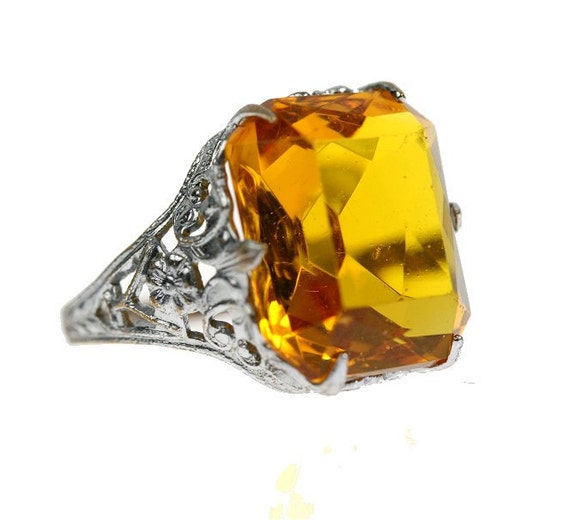 Vintage 1930s Silver Floral Filigree Ring with Topaz / Citrine Glass, size 6