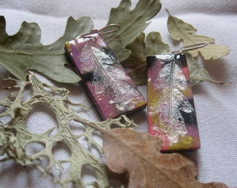 Cololrful polymer clay earings with an oak leaf imprint