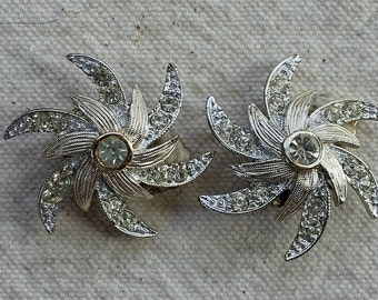Vintage Sarah Coventry Earrings - Silver/faux diamond