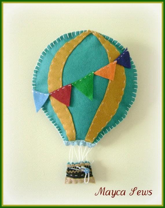 Hot Air Balloon Wall Decor. For nursery or kids room. Blue and gold. Summer decor. Felt.