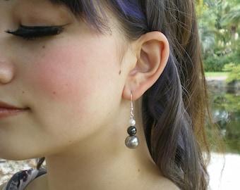 Grey & white faux pearl drop earrings (2011-0002)