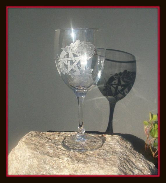 Pentacle with Oak Leaves Hand engraved glass one of a kind Pagan Goblet wiccan pentagram Altar Solstace Yule