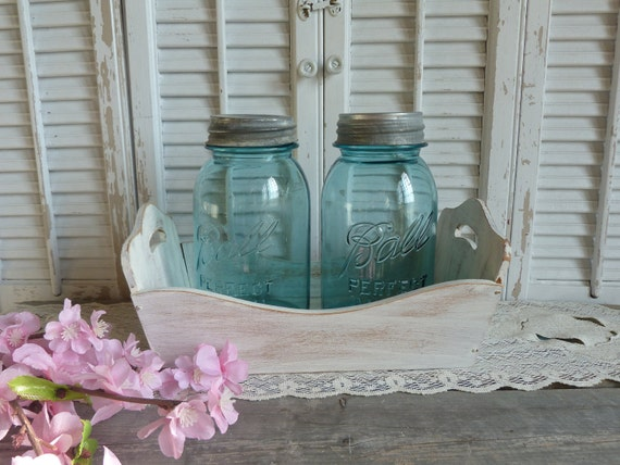 Vintage Blue Ball Quart Jar Set of 2 Storage Blue Jar With Zinc Lids Shabby and Chic Paris Chic Apartment Decor Cottage Chic