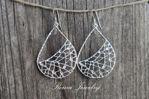 Chandelier Earrings - Wedding Jewelry - Teardrop - Silver Cute Earrings - Reina Jewelry