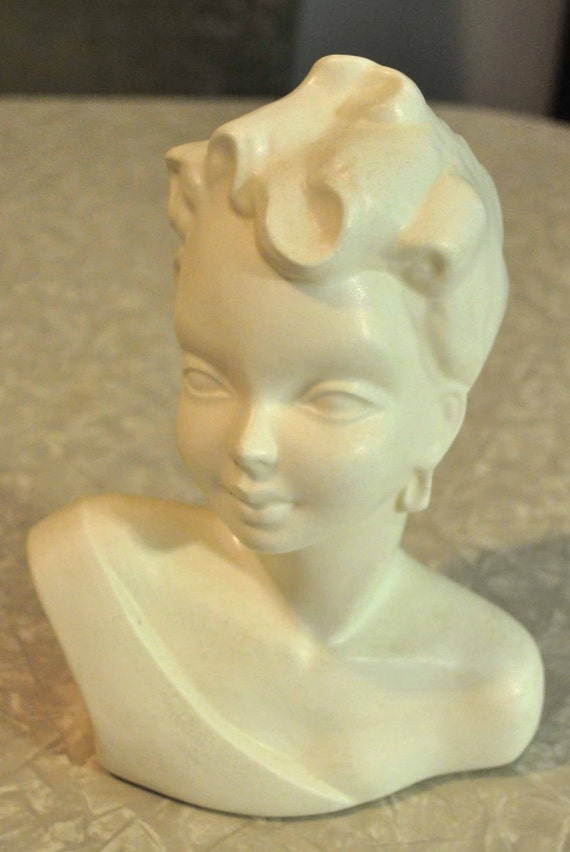 20% 0ff - Vintage White or Cream Colored Ceramic Woman Bust