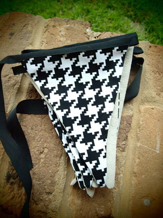 fabric pennant banner in black and white houndstooth