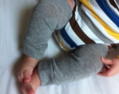 Heather Gray Baby Legs / Leg Warmers / Boot Cuffs/ Baby Shower Gift. Newborn Photo Prop. Baby outfit. Knee Crawlers. Hipster Baby