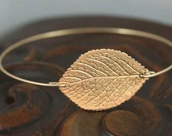 Single leaf Gold  filigree bangle