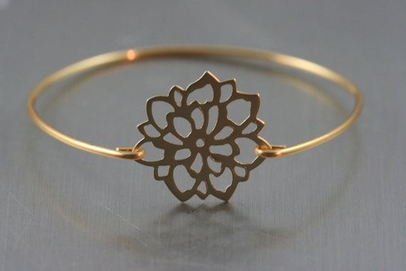 Lucky lotus Gold  filigree bangle