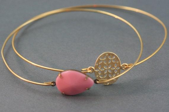 Romance gold bangle bracelet