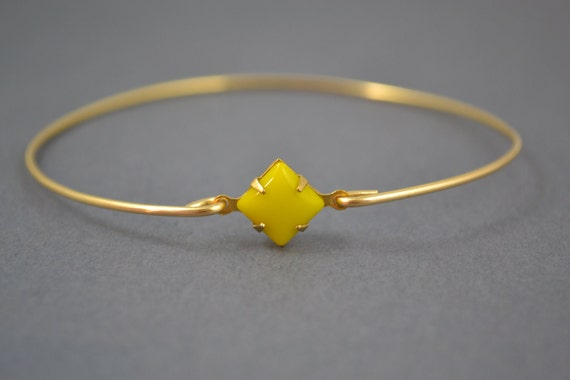 Single stone Sunny yellow modern  bangle bracelet