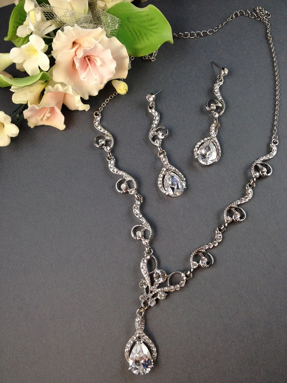 Mallana Romantic Swarovski crystal bridal necklace and earrings set