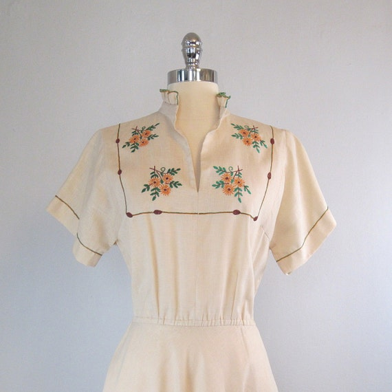 linen dress / 1950s dress / embroidered / floral / fall