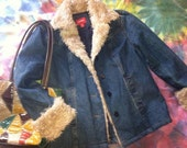 Vintage Denim / Vintage Coat / Grunge Clothing / Small Ladies / Faux Fur Coat / Denim Coat