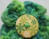 Flower Hair Bobble: green crocheted flower hair bobble