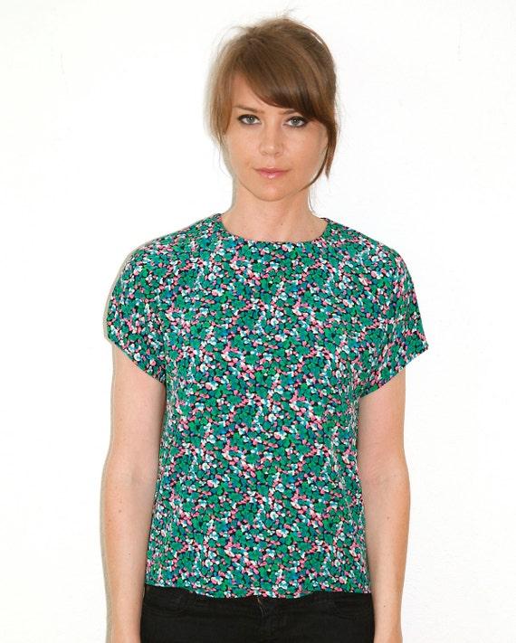 Green Floral Short Sleeve Blouse Summer Shirt Small to Medium Vintage 80s