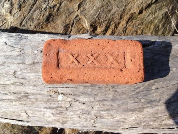 Antique, Ocean Washed Brick - XXX Insignia